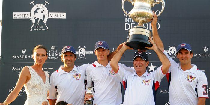2017-08-13 Lechuza Caracas vencedor de la Copa de Plata Maserati