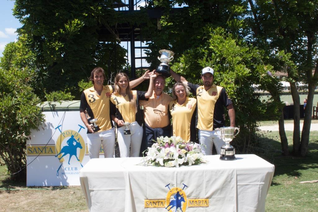 2018-06-10 Woodchester recoge el trofeo Memorial Dª María de las Mercedes 2